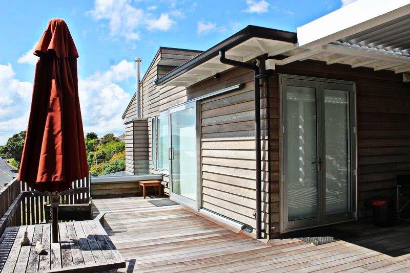 Modern Deck Extension